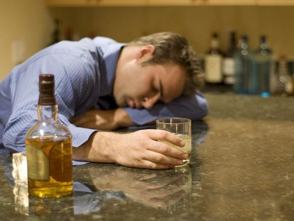При приеме трихопола пить категорически нельзя!