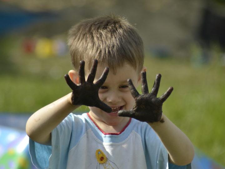 Первоочередной способ заражения - грязные руки